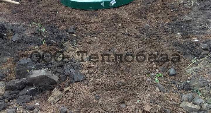 Крышка кессона для скважины на участке